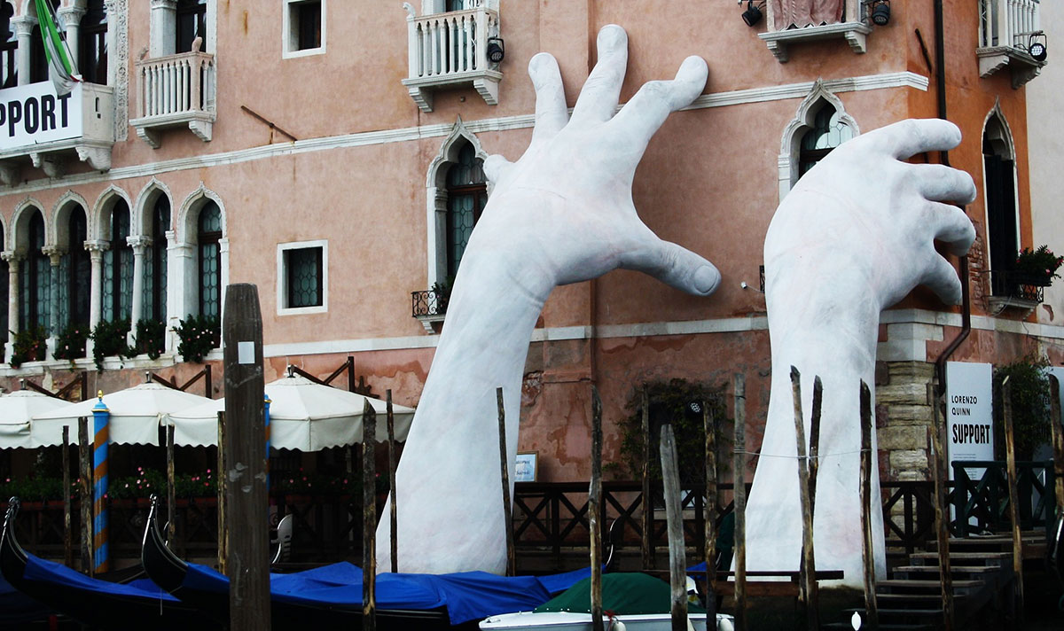 Biennale di Venezia - Santandrea Luxury Houses
