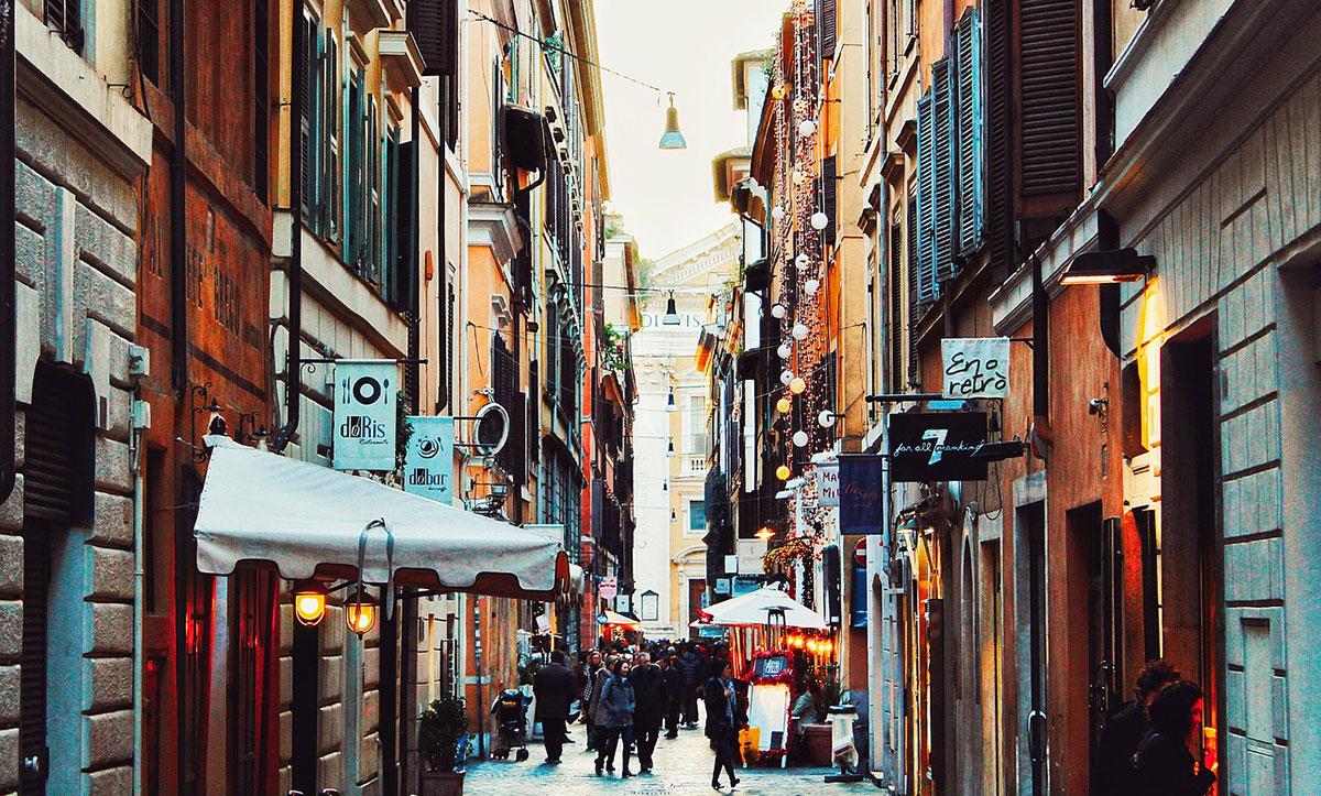 Roma residenti stranieri - Santandrea Luxury Houses